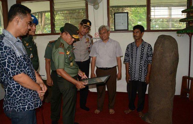 Prajurit TNI Tidak Netral Berhadapan Dengan Hukum.