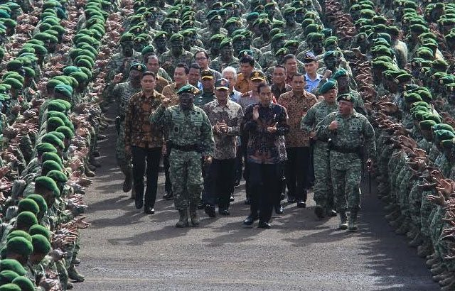 Presiden Joko Widodo Kunjungi Divisi Infanteri 1 Kostrad
