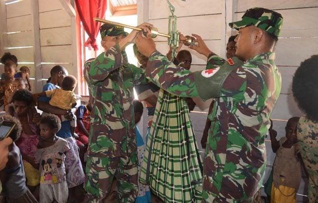TNI Peduli Kesehatan di Perbatasan