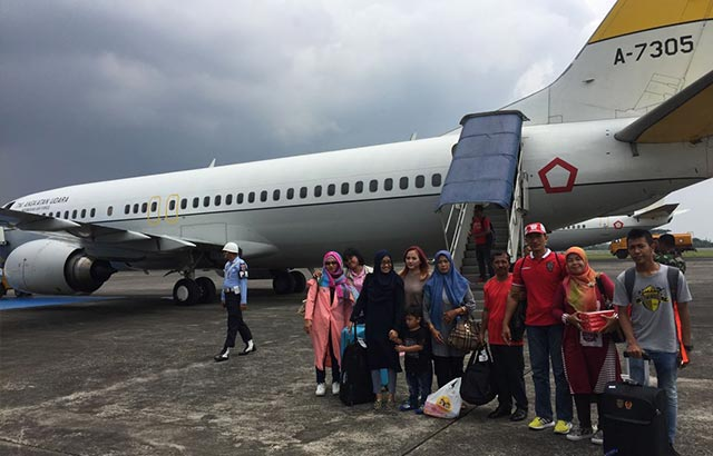 Panglima TNI Berangkatkan Keluarga Timnas Garuda Ke Thailand
