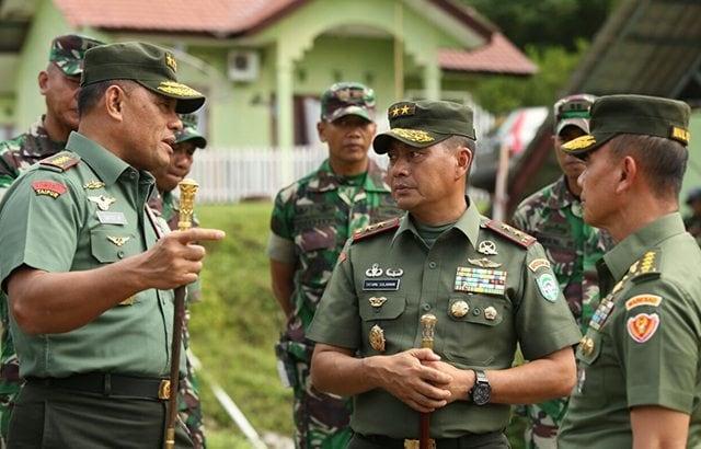Panglima TNI dan Kasad Kunjungi Kompi B Yonif 113/JS
