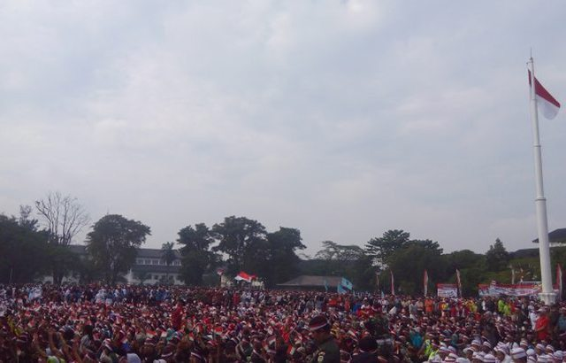 Apel Nusantara Bersatu, Prajurit TNI/Polri dan Masyarakat Berbaur di Lapangan Gasibu Bandung