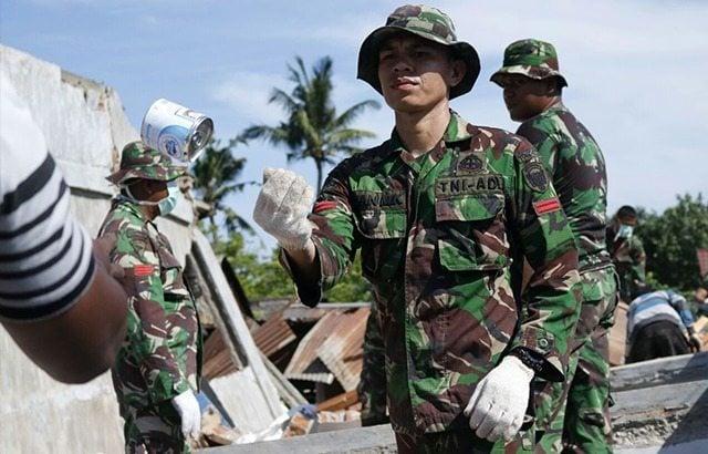 Evakusi Korban Gempa,Prajurit TNI Rela Tinggalkan Istri dan Anak