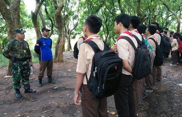 TNI Bentuk Sikap dan Mental Generasi Muda Melalui Kegiatan Long March