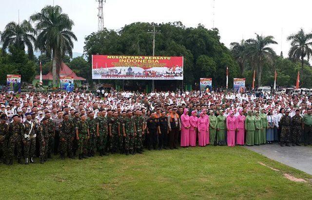 Yonif Raider 514/Kostrad Apel Bersama Nusantara Bersatu di Alun-alun Bondowoso.