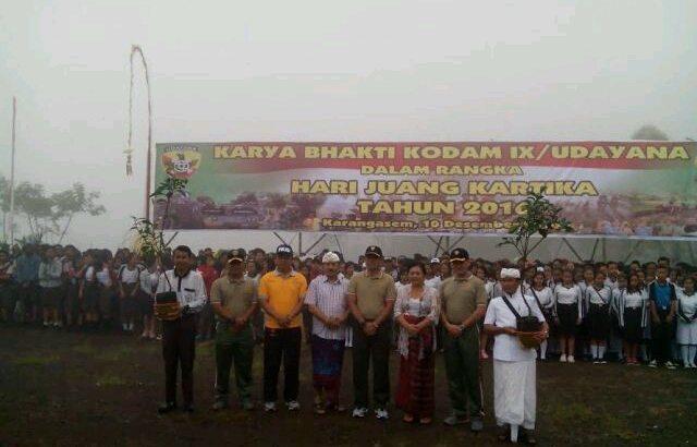 Peringati Hari Juang Kartika Tahun 2016 TNI Hijaukan Area Pura Pengubengan