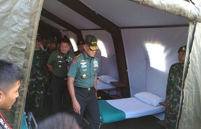 Panglima TNI Tinjau Satgas Bantu Korban Gempa