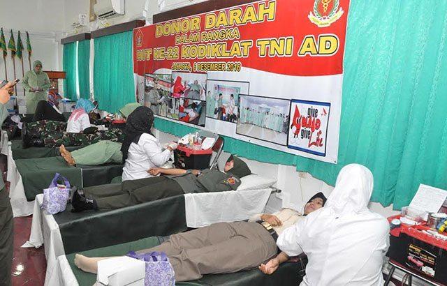 Pusdikkes Donor Darah HUT ke-22 Kodiklat TNI AD
