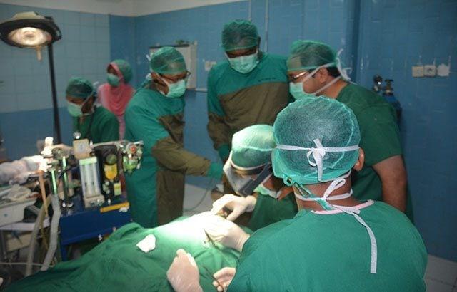 Operasi Bibir Sumbing Dan Katarak Bagi Rakyat Kurang Mampu