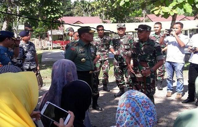 Panglima TNI Tinjau Asrama Kompi B yang Terkena Gempa di Pidie Jaya