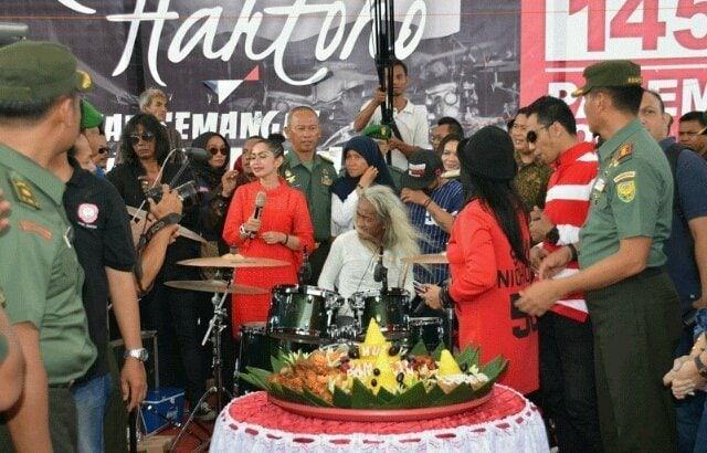Kunto Hartono Pecahkan Rekor Dunia Baru Tabuh Drum di BKB Palembang