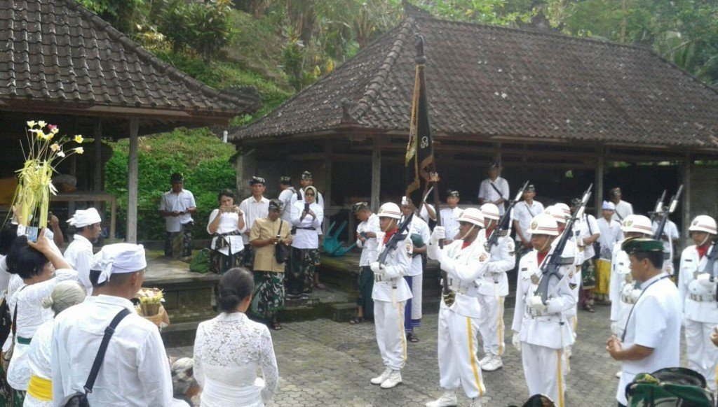 Teladani Putra Mahkota Raja Udayana, Korem 163/WSA Gelar Penjamasan Duaja