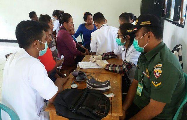 Senangnya Para Santri, TNI Adakan Pengobatan dan Sunatan Massal Gratis