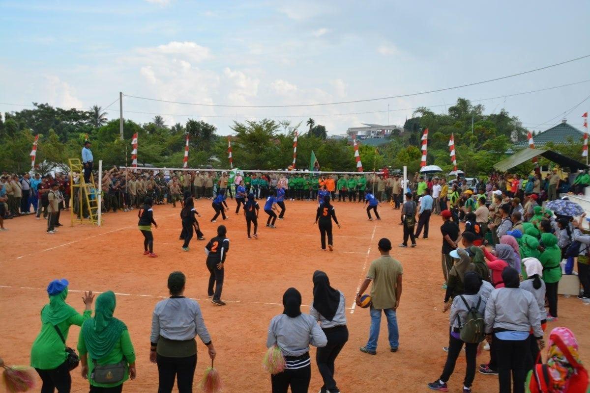 Persit KCK Korem 042/Gapu Juarai Lomba Bola Voli HUT ke-71 Persit KCK