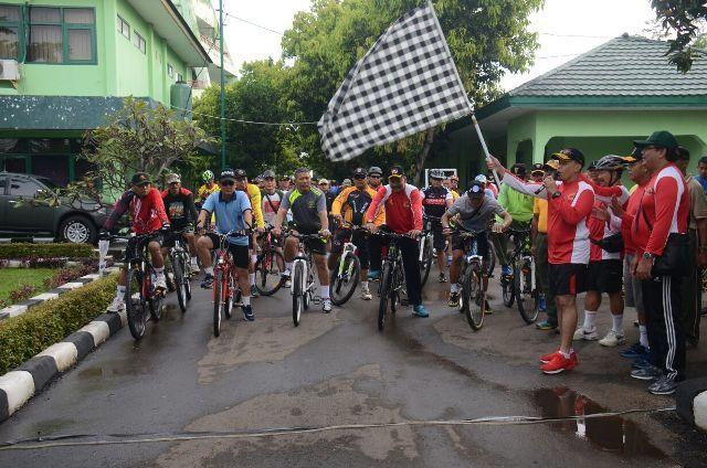 Ratusan Goweser Meriahkan Fun Bike Wira Sakti.