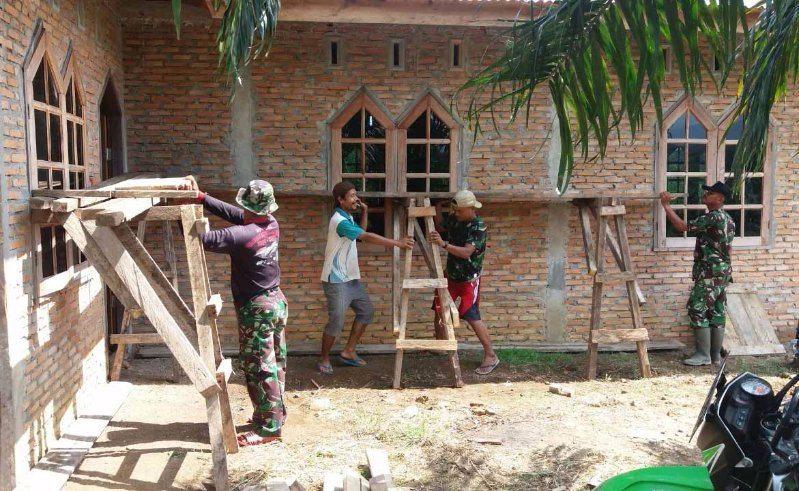 Wujudkan Kemanunggalan TNI – Rakyat Dengan Rehap Rumah Ibadah