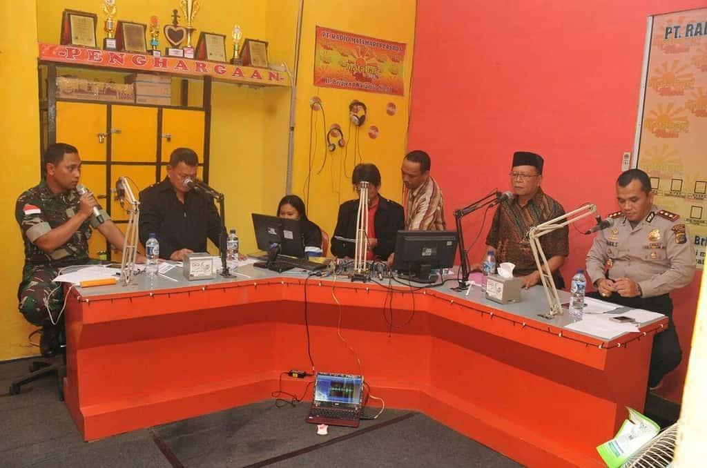Dandim, Kapolres, Wakil Bupati dan Tomas di Poso, On Air bersama di Radio Matahari 97,00 MHz