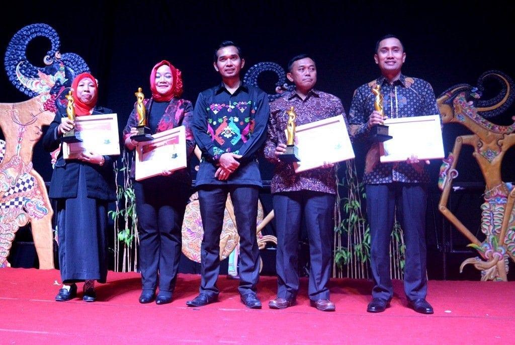 Dandim Magelang Terima DPRD Award