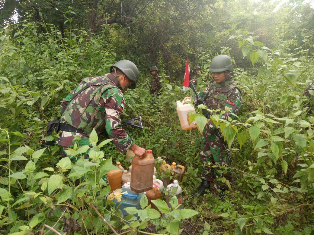 Ratusan Liter Berbagai Jenis Diamankan Satgas Yonif Raider 641/Bru