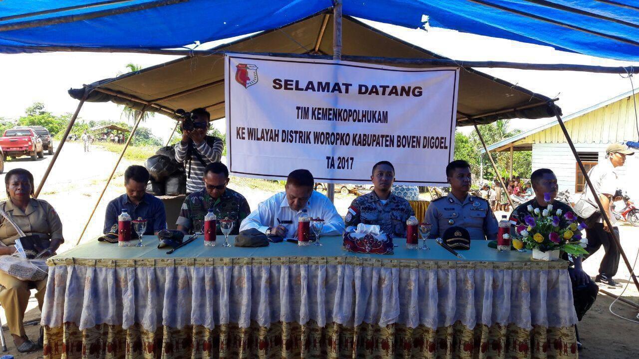 Tim Menkopolhukam RI Kunjungi 3 Kampung Baru Temuan Satgas Pamtas RI-PNG