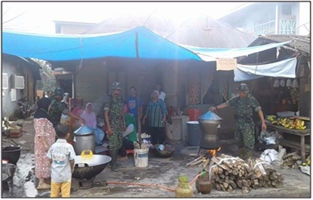 Dapur Umum Kodim 0212/TS Tergelar Di Lokasi Pengungsian Padang Sidempuan