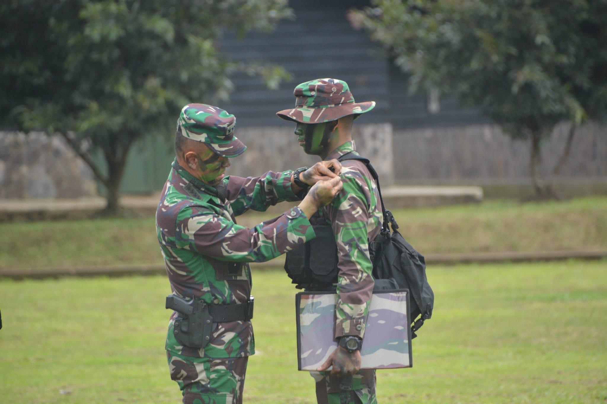 Kasad Membuka Latihan Pertempuran Hutan