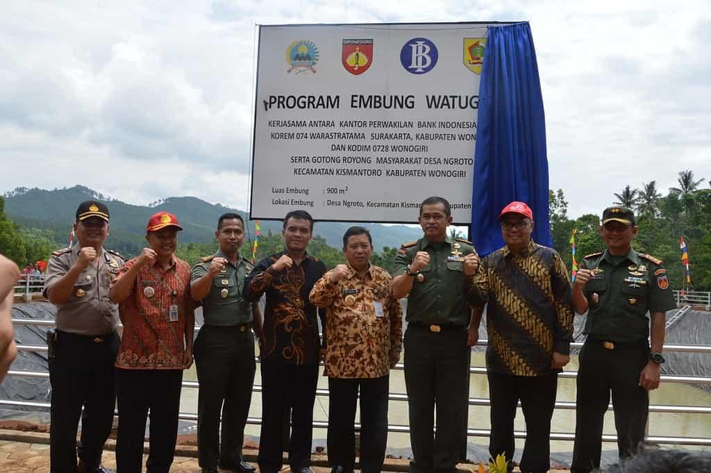 TNI Bangun Embung Watu Gede Untuk Peningkatan Produksi Cabai di Desa Ngroto