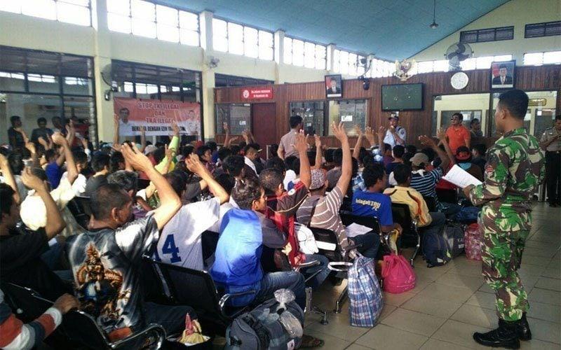 482 TKI llegal Berhasil Diamankan Oleh Satgas Pamtas Yonif 611/Awang