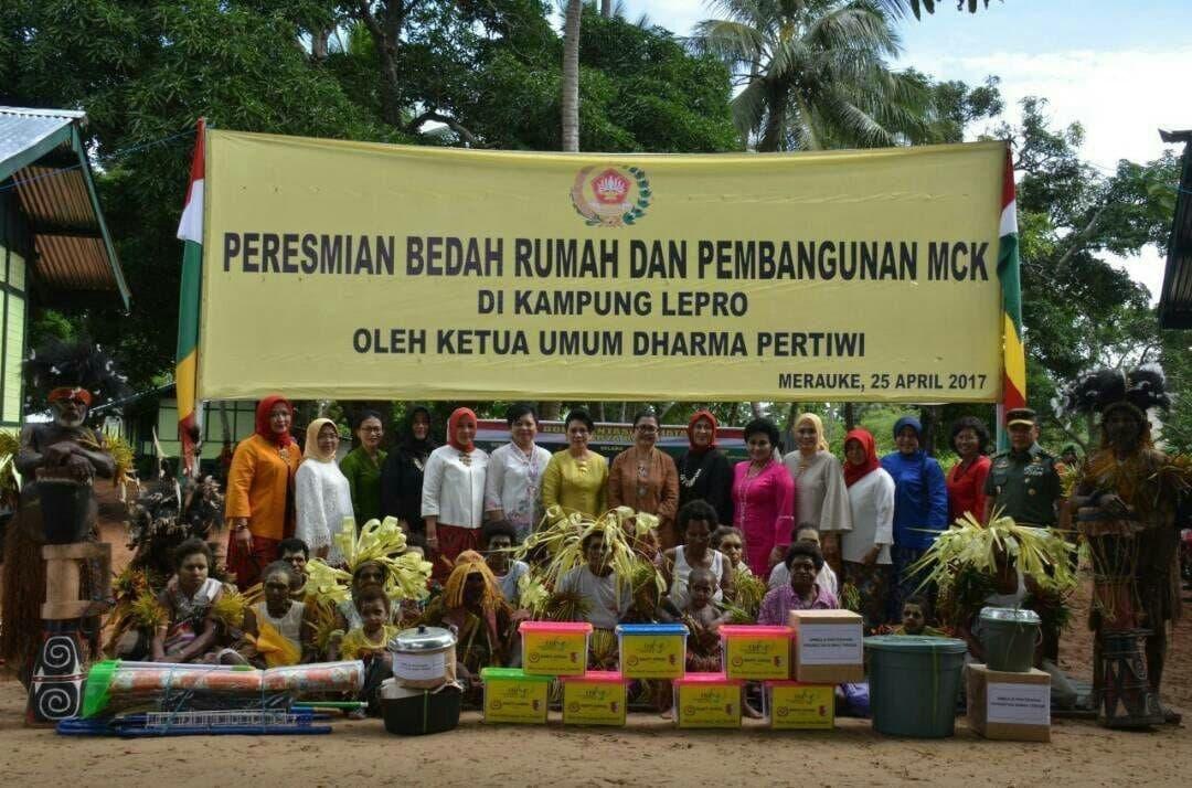 Peduli Kesulitan Rakyat, TNI Bedah Rumah di Kampung Lepro