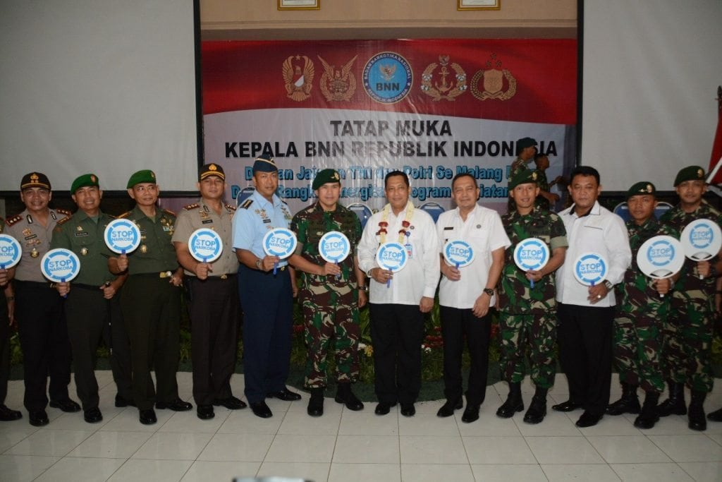 TNI dan Polri Perangi Narkoba Untuk Memberi Perlindungan Kepada Masyarakat