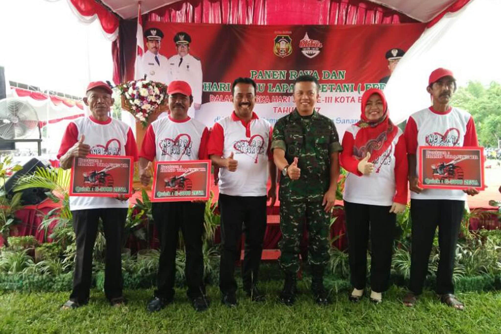 Wujud Sinergitas TNI dan Dinas Pertanian Blitar, Gelar Panen Raya Padi
