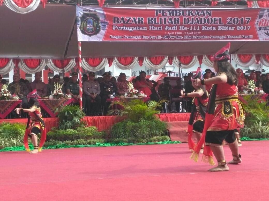 """Blitar Tempo Doeloe"" Pamerkan Alutsista TNI"