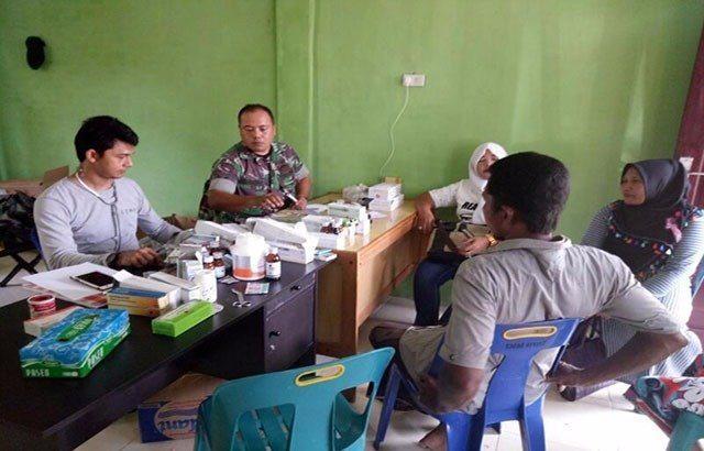 Puluhan Warga Setiap Hari Datangi Posko Kesehatan TMMD Aceh Selatan