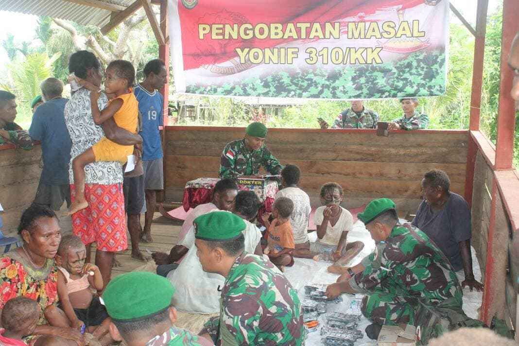 Tingkatkan Kesehatan Masyarakat Satgas Pamtas RI-PNG, Gelar Pengobatan Gratis
