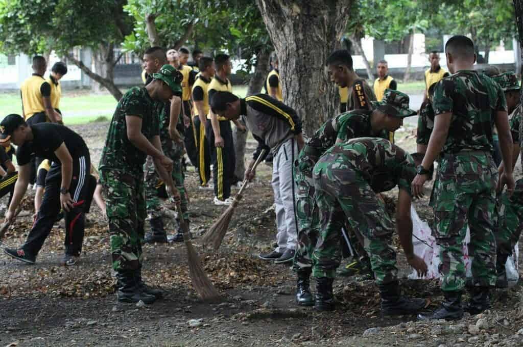 Presiden RI Akan Berkunjung, TNI dan Masyarakat Percantik Masjid Agung Palu