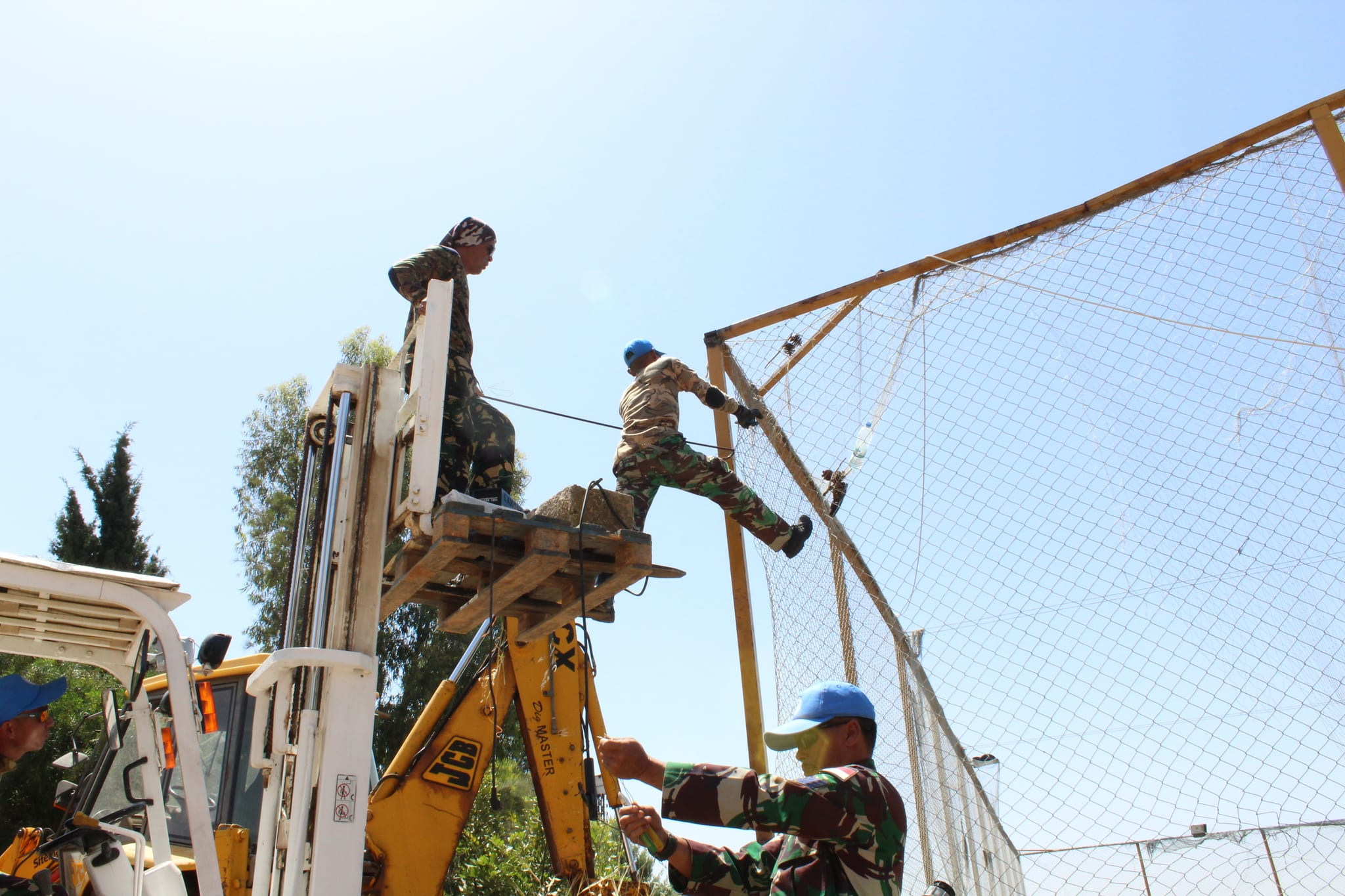 Karya Bakti Prajurit Indobatt Bantu Kesulitan Masyarakat Lebanon