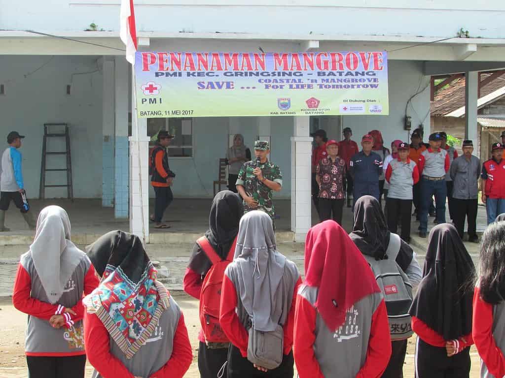 PMI Bersama TNI dan Dinas Instansi Terkait Gelar Tanam Mangrove