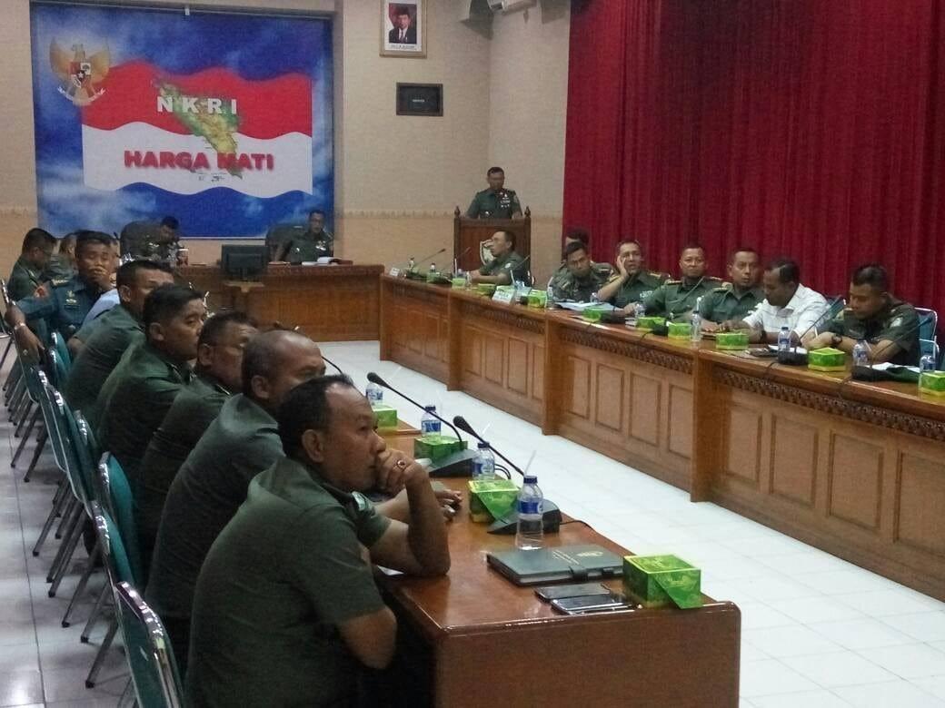 Operasi Teritorial TNI Harus Bermanfaat untuk Rakyat