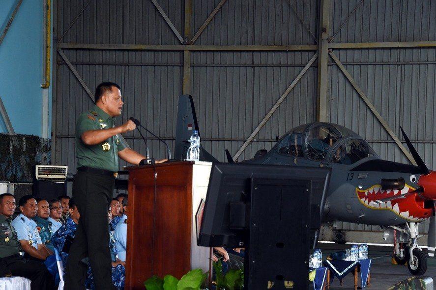 Panglima TNI: Prajurit TNI adalah Manusia Luar Biasa