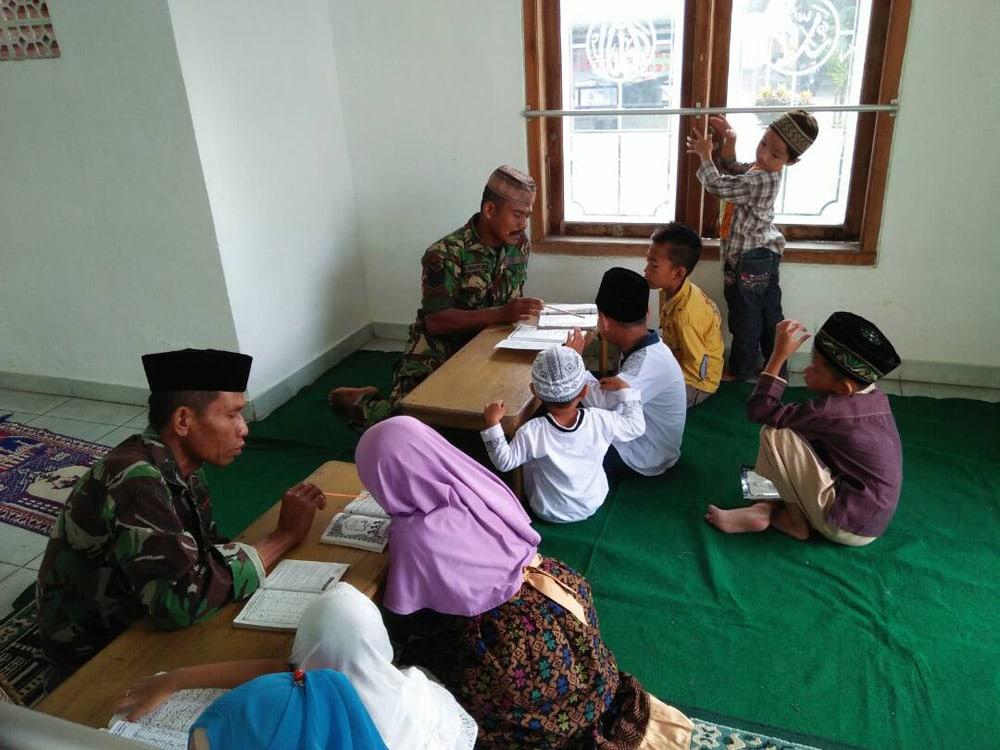 Masyarakat Apresiasi TNI Gelar Kegiatan Minat Baca Al-quran Bagi Anak-Anak