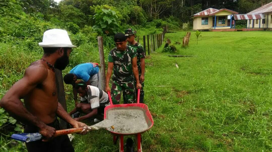 Satgas Pamtas Yonif 410/Alugoro Karya Bakti Pembersihan Gereja di Distrik Manem