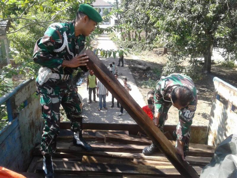 Tim Intel Kodim 1608/Bima Berhasil Amankan Kayu Ilegal Logging