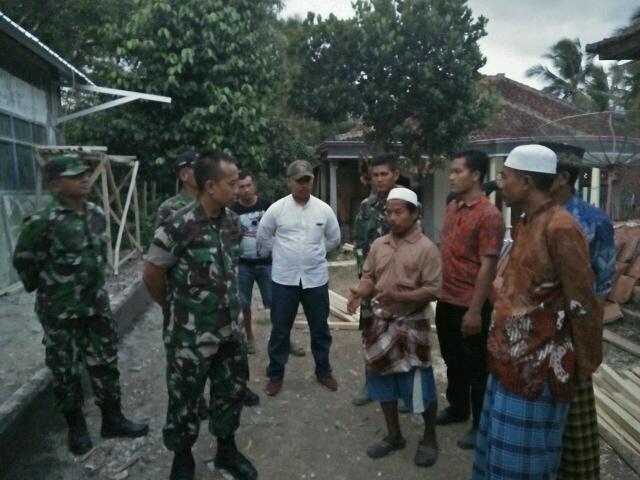 Kemanunggal TNI dan Rakyat Nyata di Sukabumi