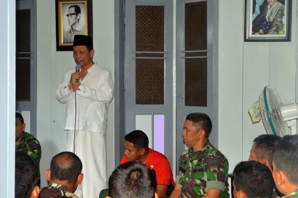 Mbah Munif Apresiasi Karya Bakti TNI Menyatu Dengan Rakyat