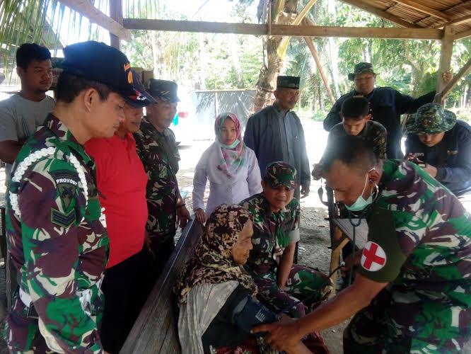 Sinergitas TNI Dan Puskesmas Dalam Pengobatan Gratis Door To Door