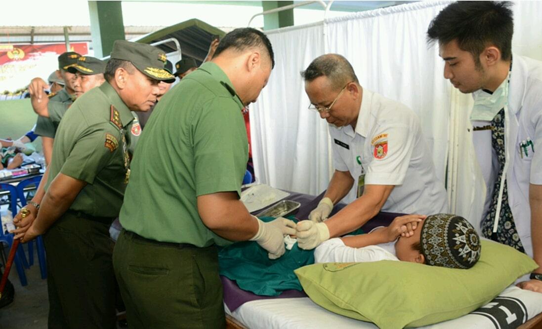 Kodam VI/Mulawarman Berikan Pelayanan Kesehatan Gratis Bagi Masyarakat