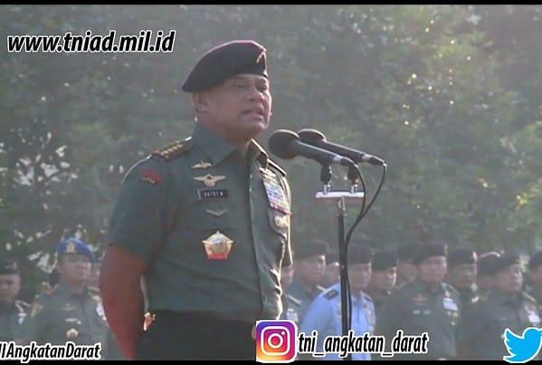 PANGLIMA_TNI_JENDERAL_TNI_GATOT_NURMANTYO_MEMIMPIN_APEL_KHUSUS_DAN_HALAL_BIHALAL_DENGAN_PRAJURIT_DAN_PNS_MABES_TNI__DI_CILANGKAP__JAKARTA_TIMUR__.mp4_snapshot_00.36__2017.07.10_19.17.25_