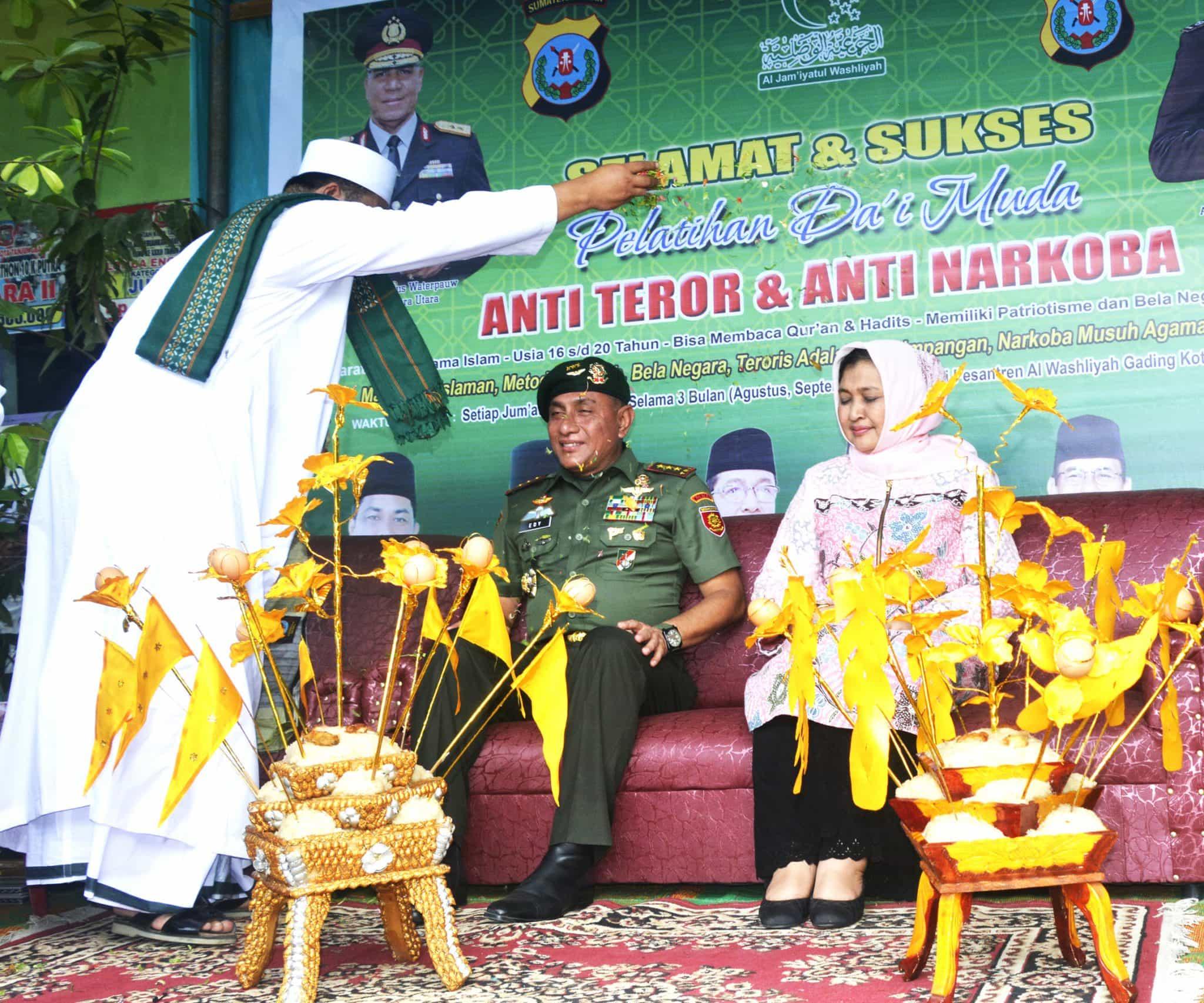 Pangkostrad Letjen TNI Edy Rahmayadi Dianugerahi Gelar Datuk Laksamana Nara Diraja