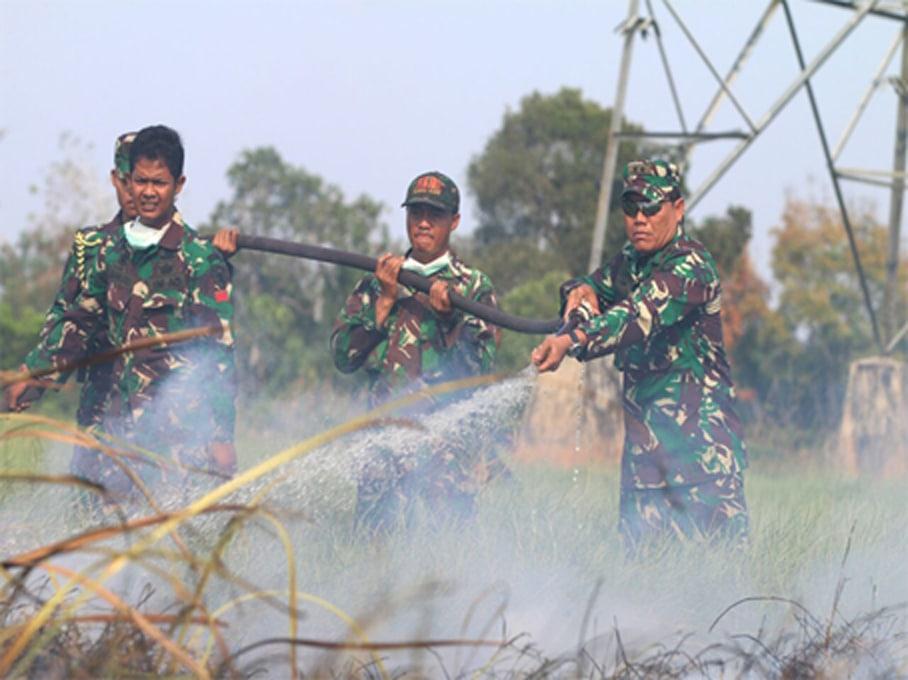 Pangdam Turun Langsung Padamkan Api Di Kabupaten Ogan Ilir