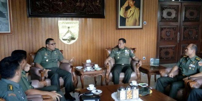 Dukung Pembangunan, TNI AD Bekali Prajuritnya Kemampuan Membangun Rumah Sederhana